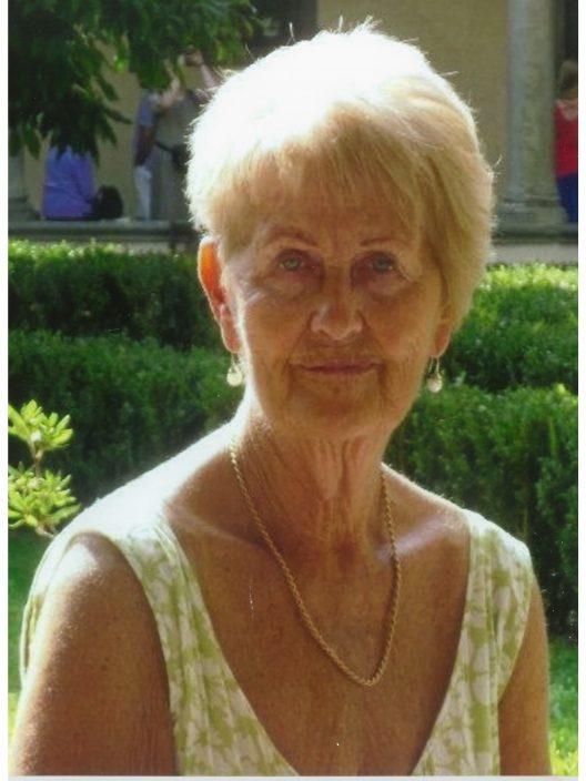 Mrs Patricia Holden