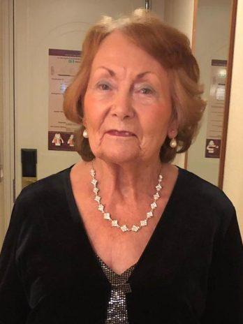 Mrs Muriel Davis